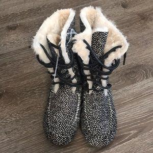 Emu Australia High Top Slippers Size 11